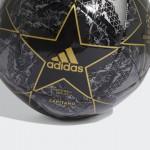 Adidas futbalová lopta UEFA CL Finale 19 Capitano DY2554